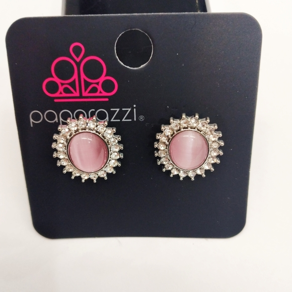 Paparazzi accessorie Silver & Pink stud Earring